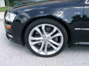 2009 Audi S8  Pics