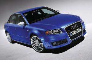 Audi RS 4  Pictures