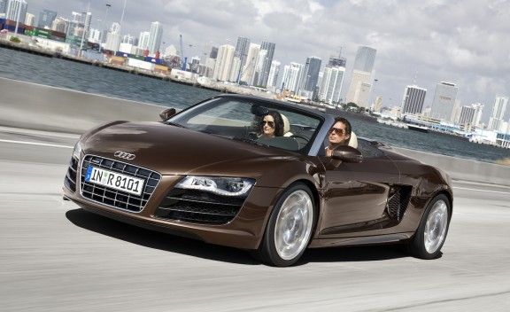 2011 Audi R8 Spyder 5.2 V10 FSI Quattro - First Drive Review