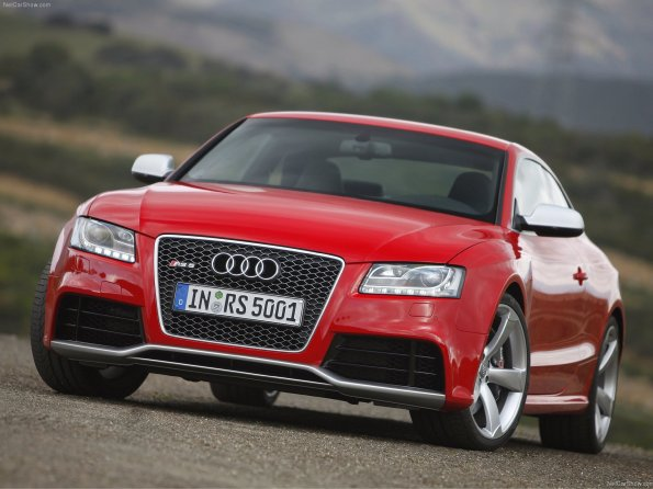Audi RS5 (2011) with pictures and wallpapers