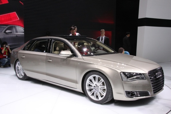 Beijing 2010: 2011 Audi A8 L W12 stretches onto the stage